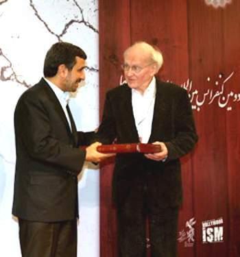 Professor Faurisson wurde von Präsident Ahamdinedschad persönlich empfangen.