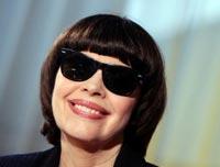 Am Beispiel von Mireille Mathieu sieht man, wie das Lügensystem funktioniert