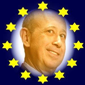 """Goldman-Sachs-Chef Lloyd Blankfein weiß den deutschen Tribut zu schätzen. Die Deutschen müssen vom ihm Geld zu derzeit drei Prozent Zinsen aufnehmen, das sie ihm dann wieder zu 0,3 Prozent zur Verfügung stellen. Blankfein nimmt dann die zu 0,3 Prozent zur Verfügung gestellte Kreditlinie und verleiht diese an EU-Länder wie Griechenland, Italien und Spanien zu 7 Prozent Zinsen. Und dafür lässt die BRD im Rahmen der """"Euro-Rettung"""" den Steuertrottel erneut bürgen. Im Klartext heißt das. Wenn Blankfein 100 Millionen Euro abruft, nimmt die BRD diese 100 Millionen Euro bei ihm auf, und bezahlt ihm dafür 3 Millionen Euro Zinsen im Jahr. Die BRD bekommt von ihm 30 tausend Euro Zinsen. Blankfein verleiht aber die BRD-Kreditlinie z.B. an Griechenland, wofür die BRD bürgt, und erhält dafür 7 Millionen Euro Zinsen. Blankfein macht in diesem einen Fall also netto 9.970.000 Euro Profit, ohne Risiko, mit dem Geld des deutschen Steuertrottels, verbürgt vom deutschen Steuertrottel. Das nennt man provatisierten Globalismus."""