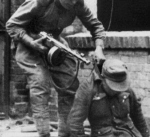 """Die Massenmörder, die von der BRD """"Befreier"""" genannt werden, ermordeten planmäßig und mit satanischer Freude jugendliche Wehrmachtssoldaten."""